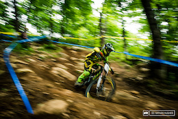 Video: Taming the Beast - World Cup DH Mont Sainte Anne, Practice