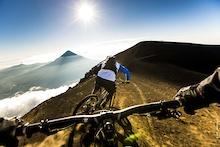 视频:与Fabien Barel一起俯冲下3976米(中文字幕)