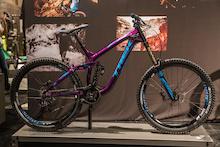 "First Look: Trek's New Carbon Slash, 27.5 Session DH Bike, and 26"" Session Park Bike"