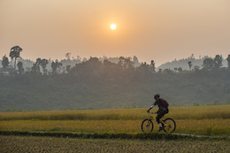 Video: Ride Nepal with Life Cycle
