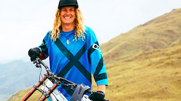 Kelly McGarry Signs With YT Industries