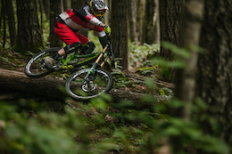 Red Bull Raw 100 - Bas van Steenbergen Rips Up Vancouver Island