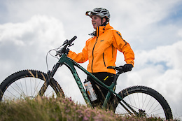 Leah Maunsell and the Kona Big Honzo in Ireland - Video