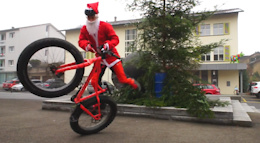 Santa Shreds To Town - Video