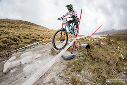 Danny Hart and Manon Carpenter Win Fort William World Cup Warm-up