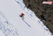 World record shattered! Speed biking on snow at 210 km/h.
