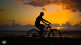 Megavalanche La Réunion: Lighting it Up