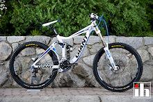 2011 Giant Glory 1: Video Bike Check