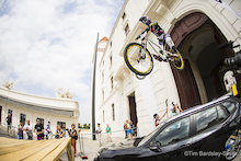 Video: Hutchinson UR Team - Bratislava City Downhill
